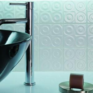 Płytki ceramiczne z fakturą – wykończenie ścian z efektem 3D