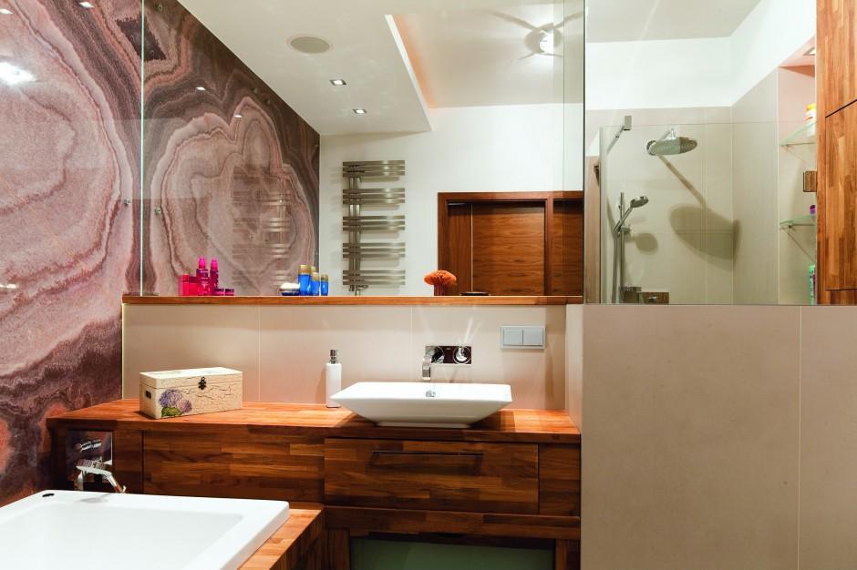 Onyks w łazience - 7 zasad pielęgnacji kamienia