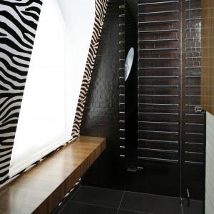 Łazienka dla gości – zobacz inspiracje afrykańskim safari
