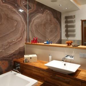 Drewno teakowe do łazienki - zobacz pomysłową realizację
