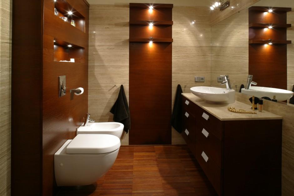 Parkiet przemysłowy w łazience – rodzaje, układanie, pomysły