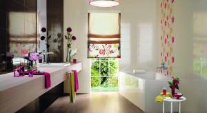 Powiew wiosny w łazience - płytki z kwiatowymi dekorami