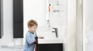 Nowy przycisk spłukujący oraz rączka prysznicowa