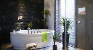 Salon kąpielowy dla dwojga – zobacz wnętrze inspirowane naturą