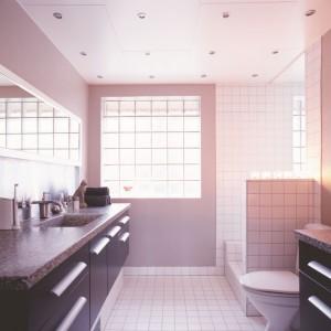 Wodoodporne farby do łazienki. Zakochaj się w pastelowych kolorach