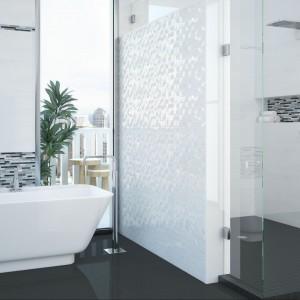 Łazienka w eleganckim połysku – zobacz płytki z lustrzaną powierzchnią