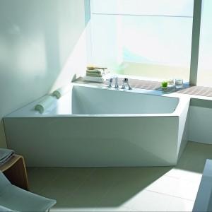 Wanny z dodatkami – jeszcze więcej komfortu kąpieli