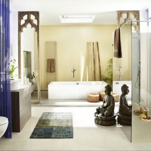 Rzeźby jako dekoracje łazienki – zobacz aranżacje w orientalnym stylu