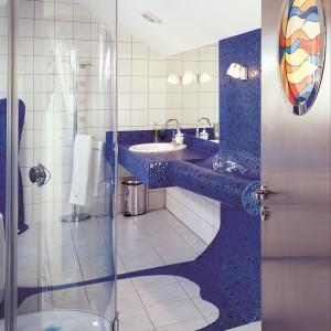 Łazienki sprzed 10 lat – oceńcie sami co jest jeszcze modne! 30 projektów