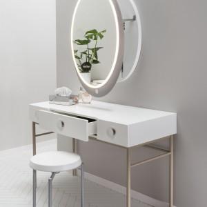 Lustra do łazienki – zobacz 10 zaskakujących modeli