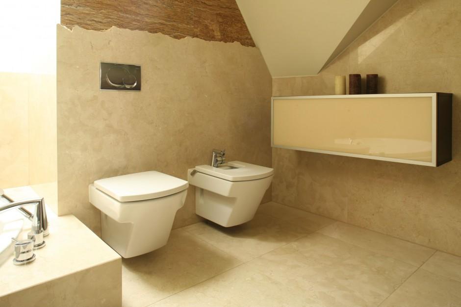 Łazienka w kamieniu – zobacz marmur w eleganckiej aranżacji