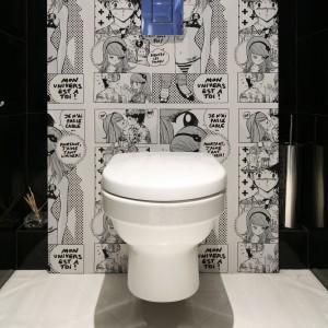 Goście będą zaskoczeni! Zobacz toaletę z komiksową tapetą