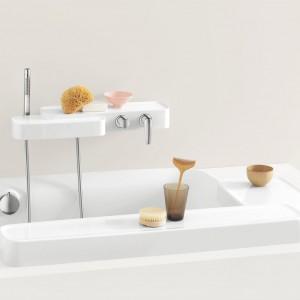 Więcej miejsca  w łazience – wanny, umywalki, a nawet baterie z półkami