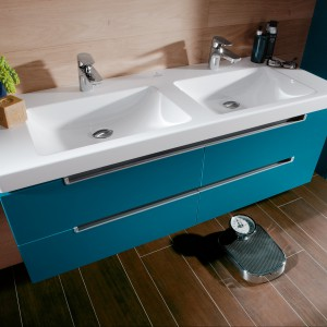 Podwójne umywalki do rodzinnej łazienki – przegląd