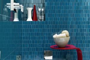 Niebieskie płytki ceramiczne i mozaika. 12 kolekcji w duecie z bielą i beżem