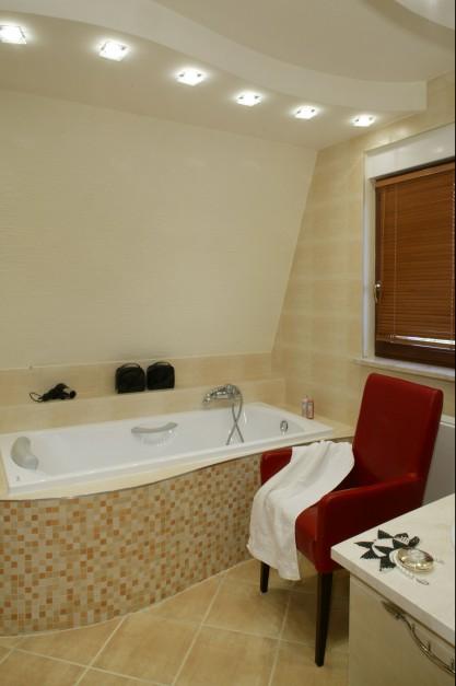 Łazienka przy sypialni – idealne  wnętrze do długich kąpieli