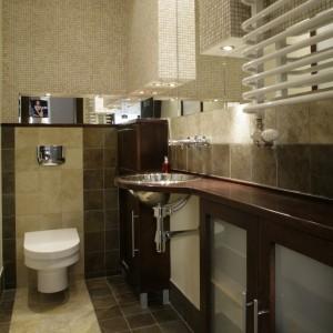 Mała łazienka – zobacz pomysłowe wnętrze w beżach i brązach