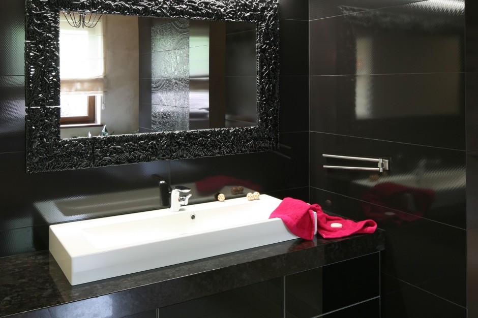 Granit do łazienki – piękny i solidny  kamień na blaty i obudowy