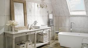 Łazienka w stylu shabby chic – tak można ją urządzić. 12 pomysłów