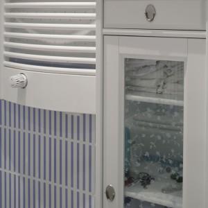 Salonik kąpielowy w stylu retro – wnętrze w klimacie  prowansalskim