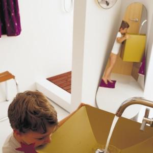 Kolorowa i wesoła łazienka dla dziecka – tak możesz ją urządzić