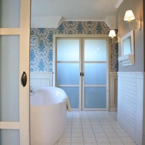 Kąpiel w angielskim stylu – luksusowa łazienka dla wielbicieli klasyki