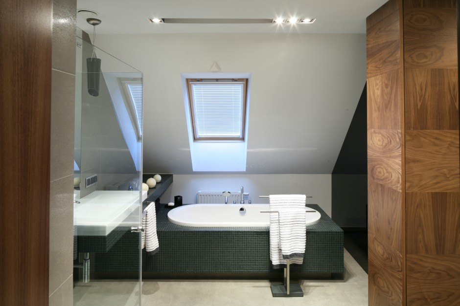 Inspirujemy łazienka Pod Skosem Dachowym Nowoczesny