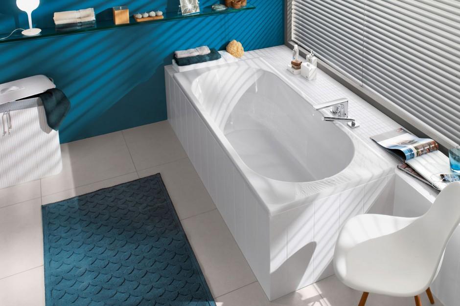 Eleganckie wanny w kształcie prostokąta – 15 modeli do każdej łazienki