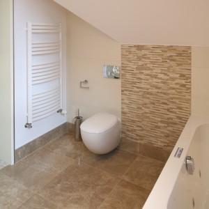 Łazienka w beżach – komfortowe wnętrze dla dwojga