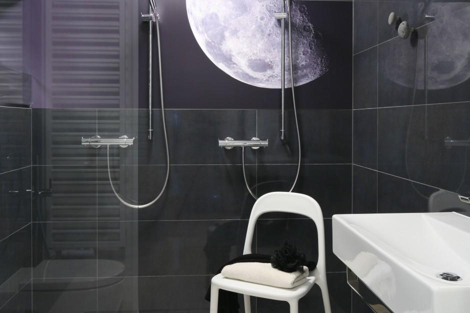Łazienka dla dwojga – relaks przy pełni księżyca