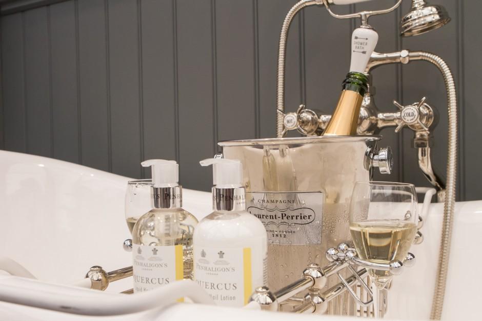 Oszczędzaj wodę, pij szampana - czyli co zobaczymy w Londynie na Decorex International