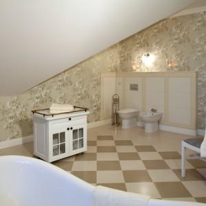 Salon kąpielowy w stylu angielskim: eleganckie i komfortowe wnętrze