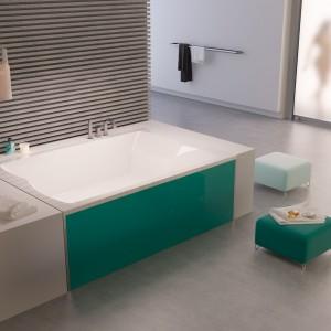 Kolorowe wanny – 10 modnych modeli do łazienki