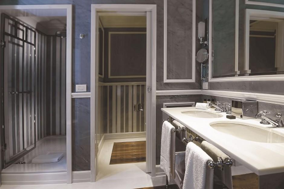 Pięciogwiazdkowa łazienka w słonecznym Rzymie