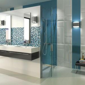 Płytki ceramiczne z fakturą – pomysły na ściany łazienki
