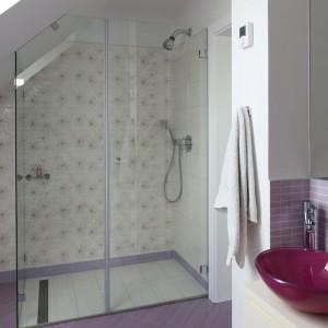Ściana za prysznicem – zobacz jak ją wykończyć