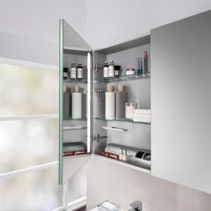 Białe, szare, drewnopodobne, kolorowe - 17 nowych kolekcji mebli łazienkowych