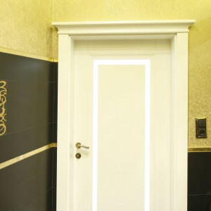 Toaleta dla gości – wnętrze w stylu klasycznym