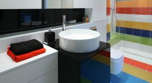 Łazienka młodzieżowa – tak można ożywić ją kolorem