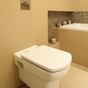 Mała łazienka w beżach – tak ozdobisz ją fototapetą