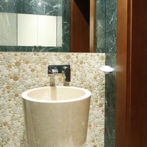 Łazienka w kamieniu – wnętrza z polskich domów