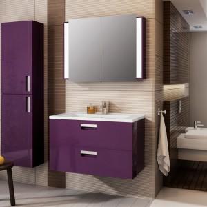 Kolorowe meble do łazienki – te zestawy ożywią wnętrze