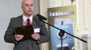 Życzenia składa Mariusz Biegański z firmy Ravak
