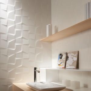 Białe płytki ceramiczne – 15 modnych kolekcji