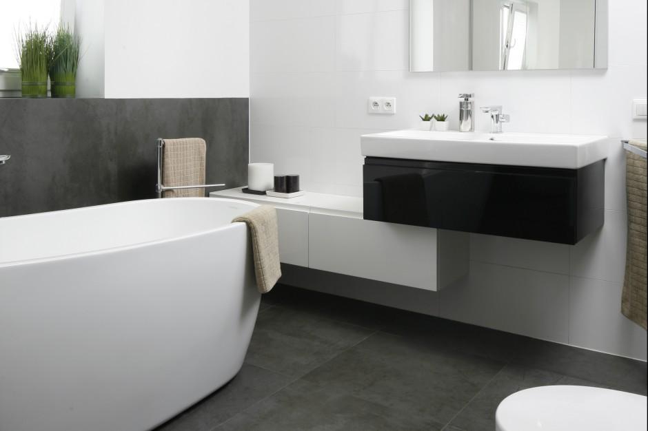 Łazienka w modnych szarościach – zobacz wnętrze w stylu loft