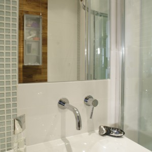 Bardzo małe łazienki – tak urządzają je polscy architekci