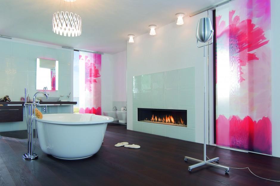 Kominek w łazience. 12 najpiękniejszych przykładów