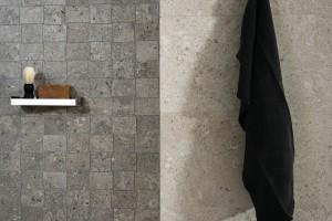 Płytki ceramiczne jak kamień – modne kolekcje do łazienki