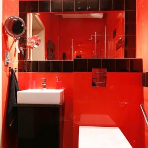 Szafki na zamówienie – tak umeblujesz małą łazienkę