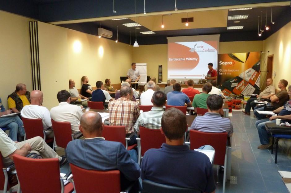 Akademia Profesjonalisty - ruszają szkolenia dla glazurników